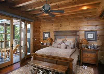 georgia-lodge-master-bedroom